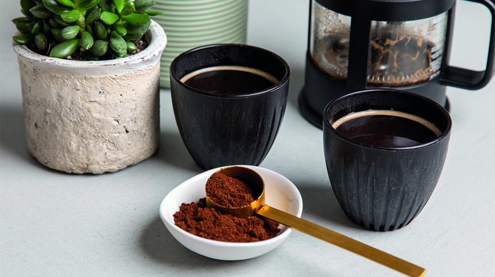 Kaffekopp av kaffesump och sockerrör